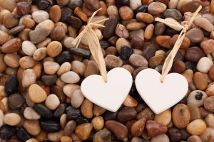 hearts_on_pebbles_194461